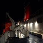 Pokład statku nocą