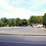 Bułgaria, Albena: parking przy wjeździe do miasta i autokar, którym przyjechaliśmy