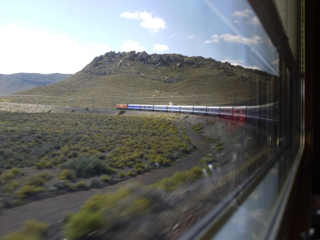 Blue Train; źródło zdjęcia: http://www.flickr.com/photos/mark-gideon/5696359995/