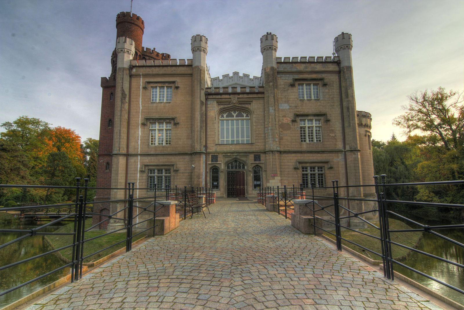 d53581cb Zamek i arboretum w Kórniku