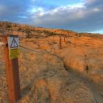 Dwejra: ścieżka do Lazurowego Okna, wstęp na górę wzbroniony
