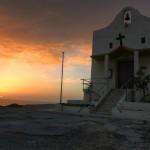Dwejra: kościół nieopodal klifu, Inland Sea