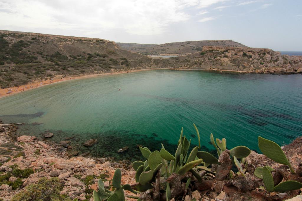 Malta: widok z góry na Għajn Tuffieħa