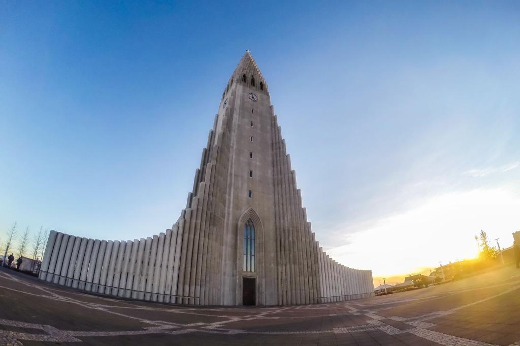 Islandia, kościół Hallgrímskirkja. Autor zdjęcia: Stefán Freyr Margrétarson.