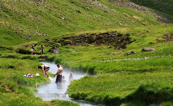 Islandia, Hveragerði, czyli Ogród Gorących Źródeł. Źródło zdjęcia: https://www.flickr.com/photos/borealtravel/5375880982