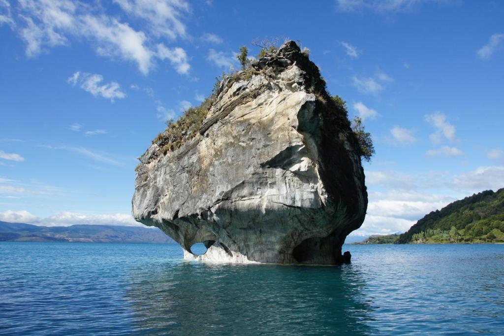 Chile, Jaskinie Marble Caves. Autor zdjęcia: Neil Wilkie