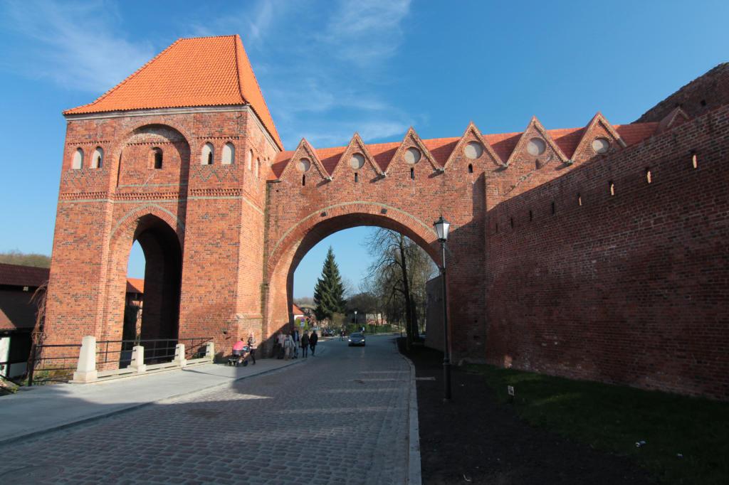 Toruń, mury obronne Zamku Krzyżackiego