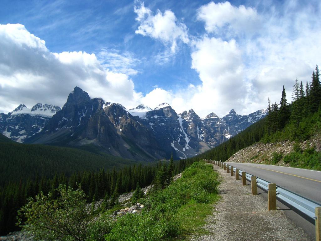 Park Narodowy Banff: droga do marzeń. Źródło zdjęcia: https://www.flickr.com/photos/tryck/4799741912