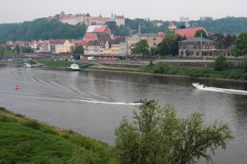 Saska Szwajcaria: widok z mostu na Pirnę