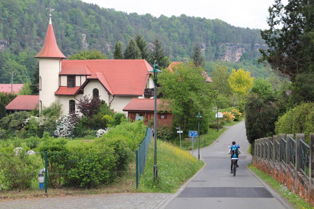 Saska Szwajcaria: przejazd przez Rathen