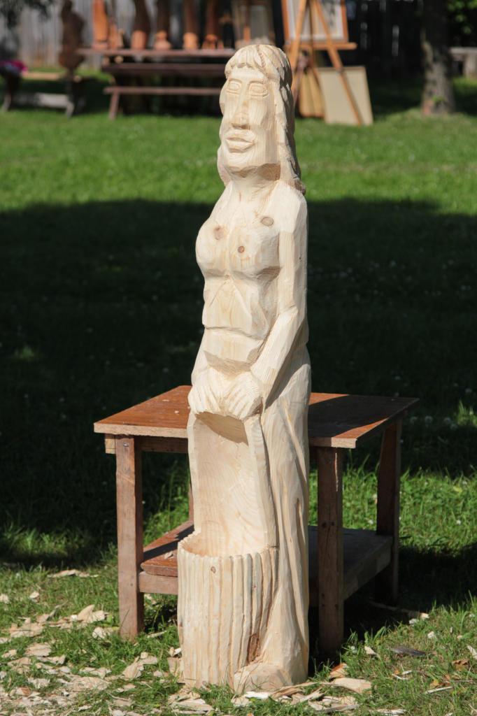 Wielkopolski Park Etnograficzny - figury rzeźbione w drewnie