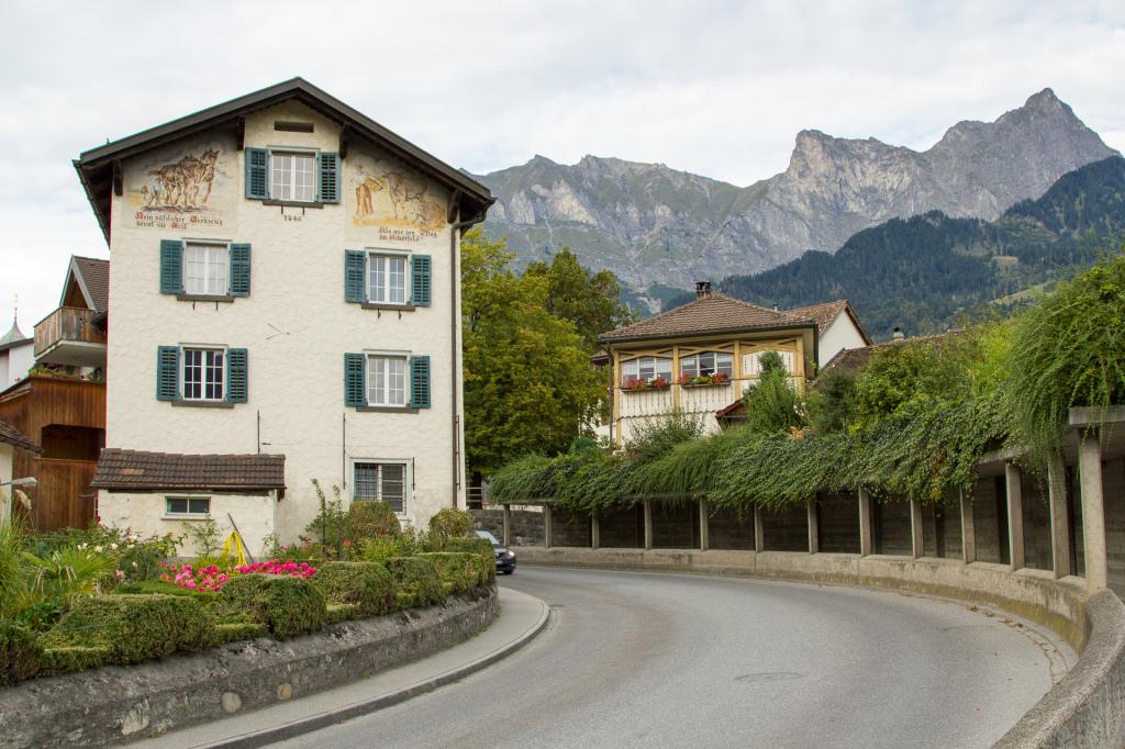 Szwajcaria: urocze Maienfeld
