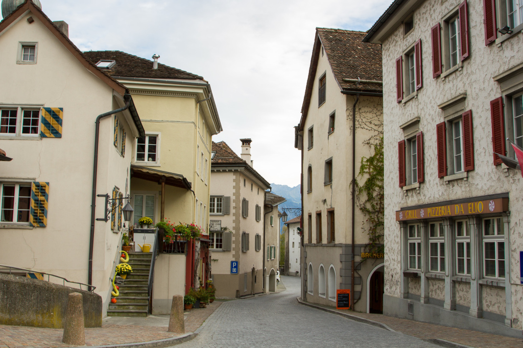 Szwajcaria: miasteczko Maienfeld