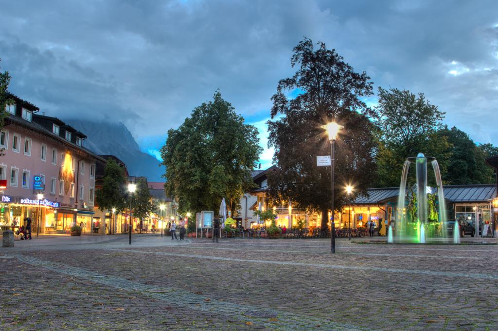 Niemcy: Garmisch-Partenkirchen nocą