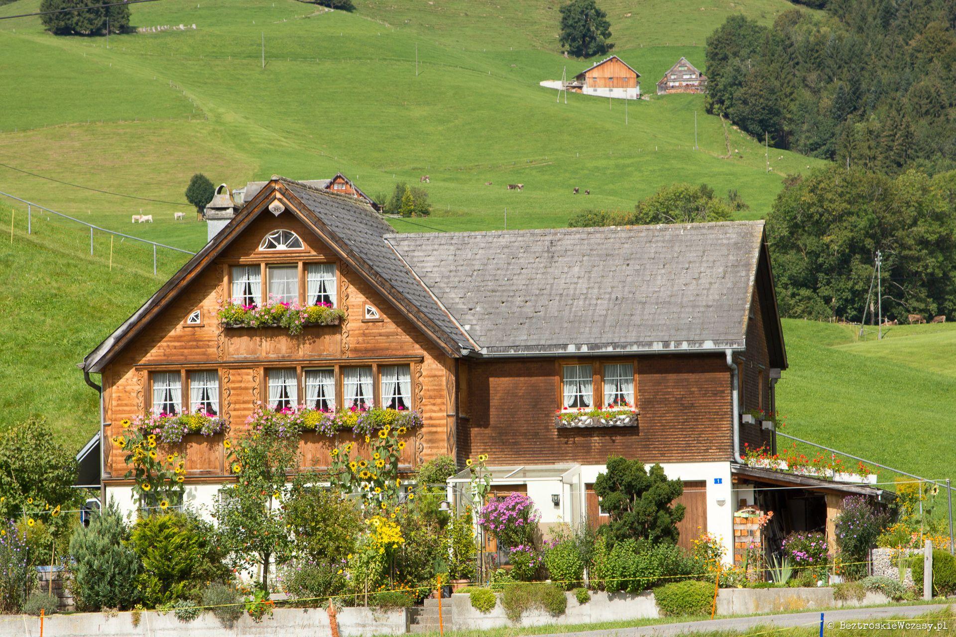 Szwajcaria: klasyczne, drewniane domki w Appenzell