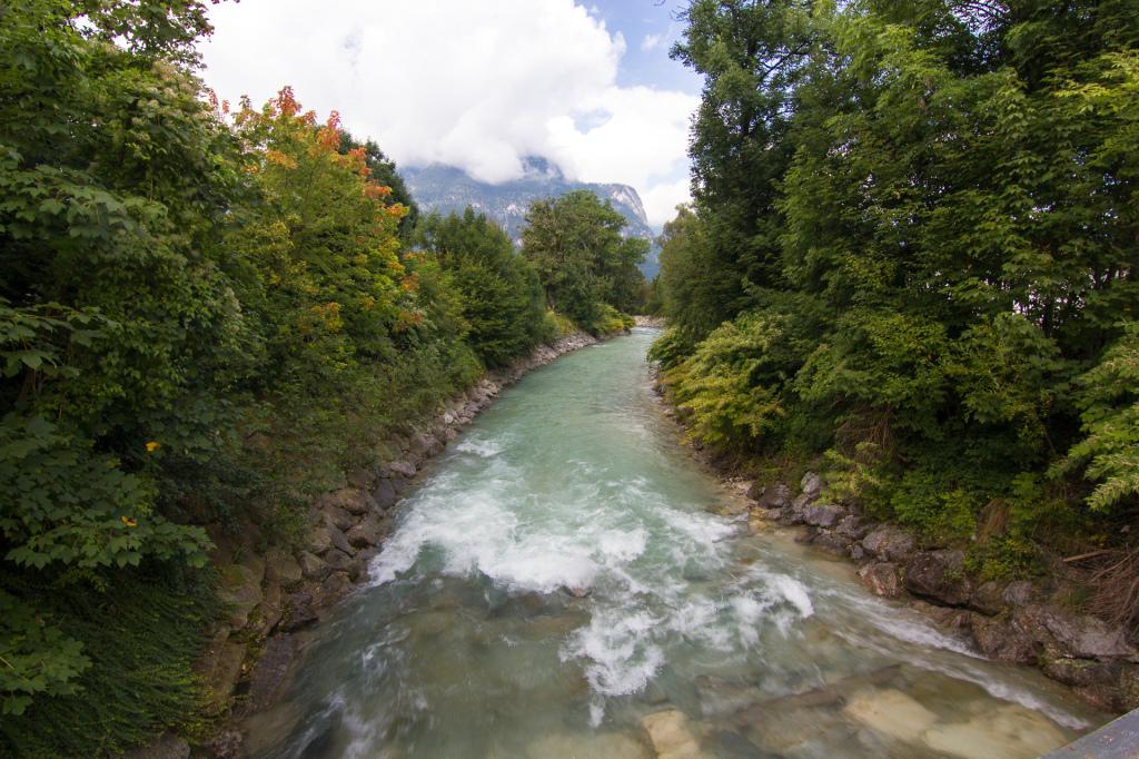 Niemcy: Garmisch-Partenkirchen. W drodze do wąwozu  Partnachklamm