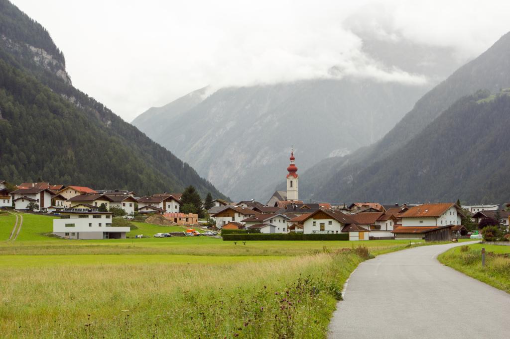 Austria: Tyrol, miasteczko Pfunds