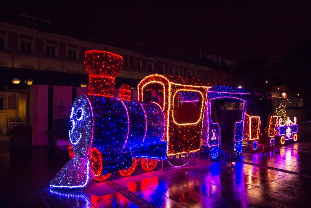 Warszawa: świąteczna kolejka