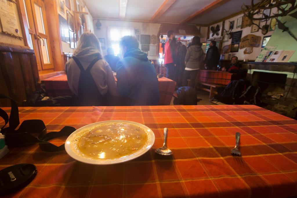 Schronisko na Śnieżniku - zupa grochowa!