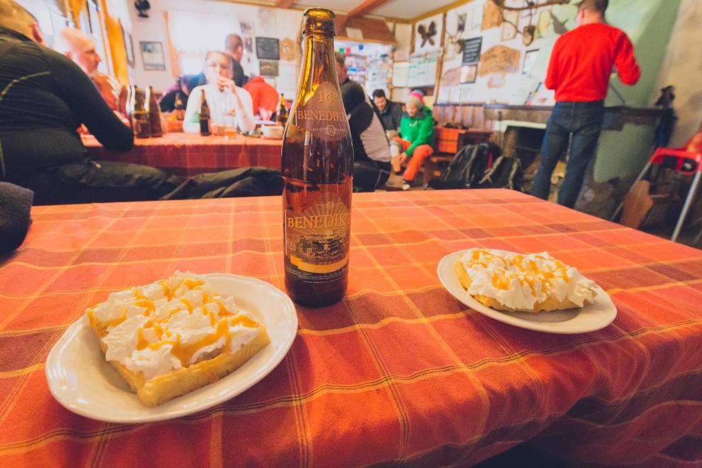 Schronisko na Śnieżniku - piwo i gofry