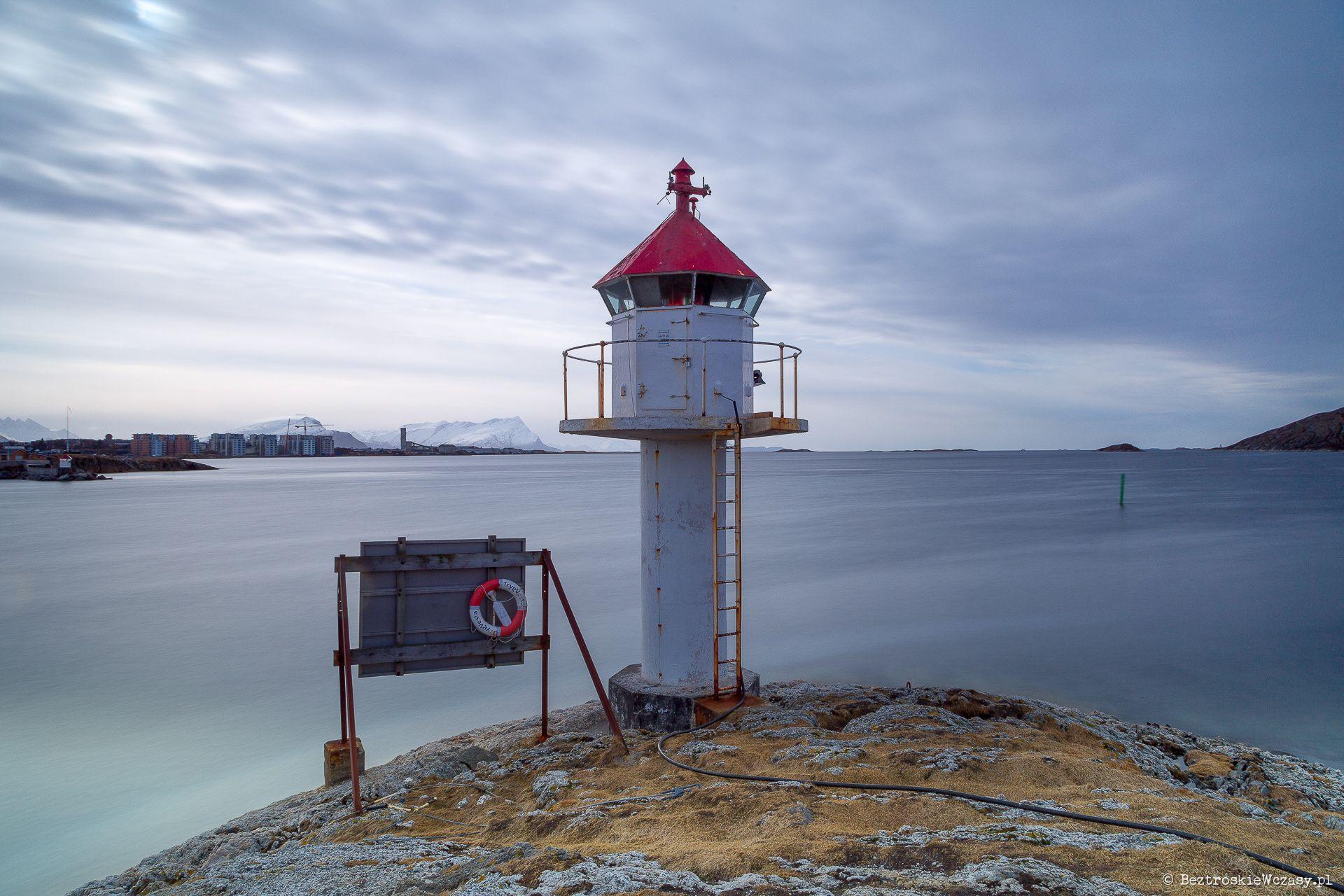 Bodø: latarnia morska przy forcie Nyholmen
