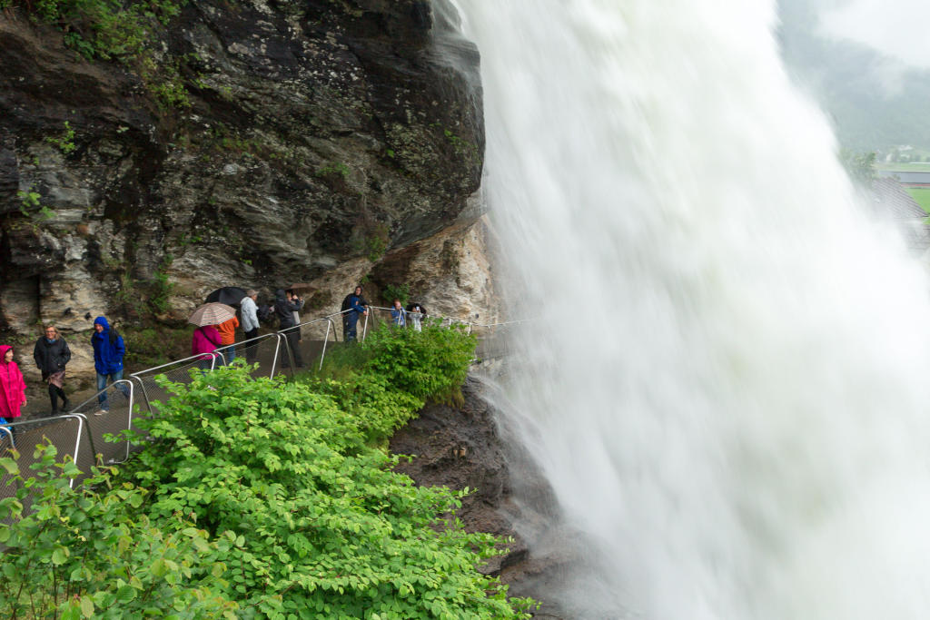 Norheimsund - wodospad Steinsdalsfossen