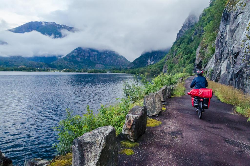 Ścieżka rowerowa z Eidfjordu do Øvre Eidfjordu