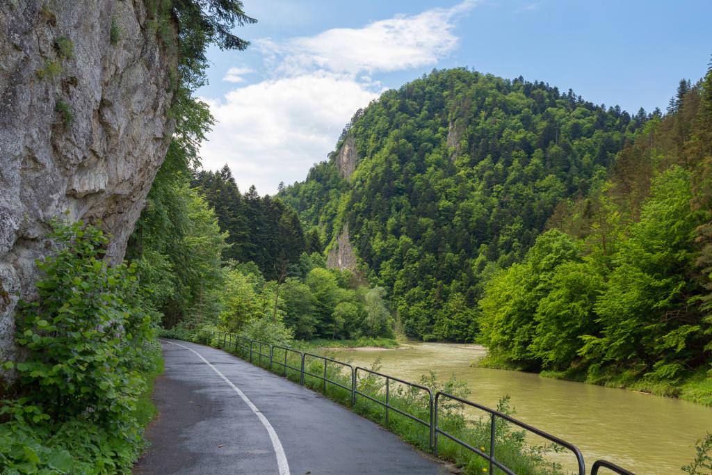Ścieżka pieszo-rowerowa wzdłuż Dunajca