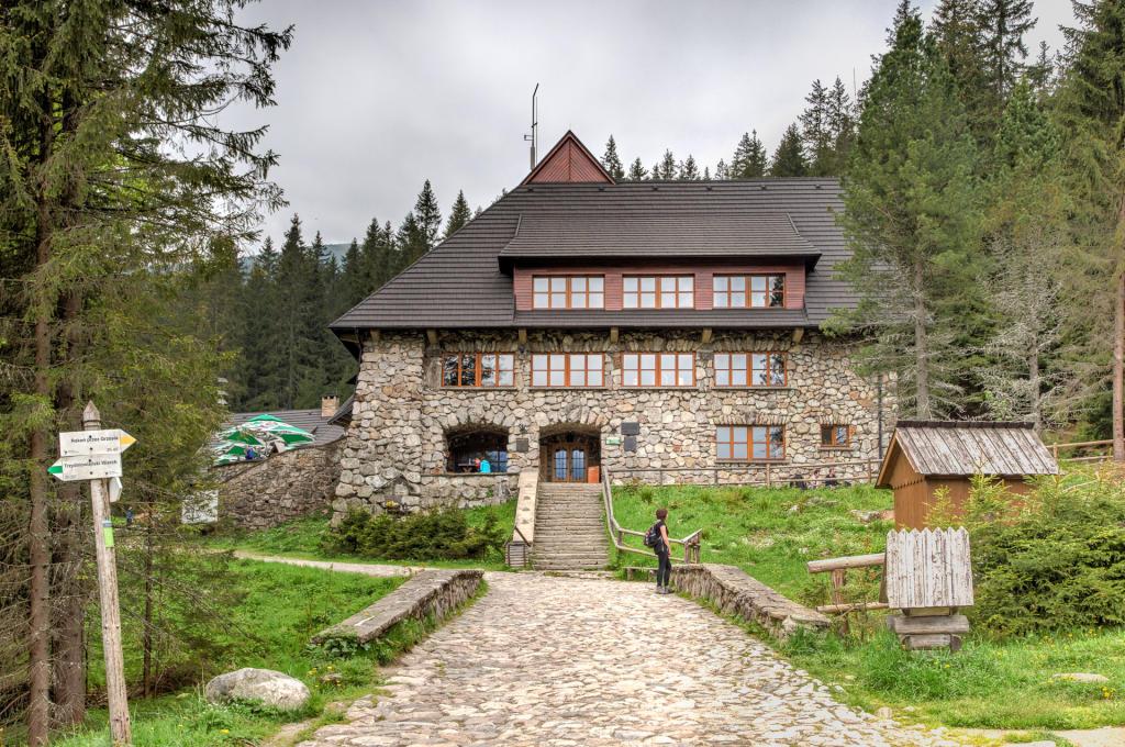 Schronisko PTTK na Polanie Chochołowskiej
