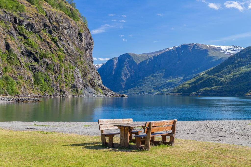 Miejsce piknikowe we Flåm