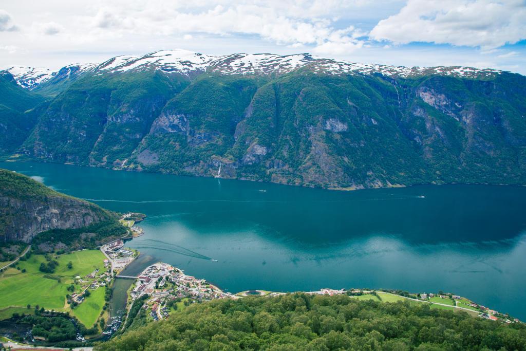 Widok na Aurlandsfjord z Stegastein