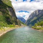 Gudvangen i rzeka Nærøydalselvi
