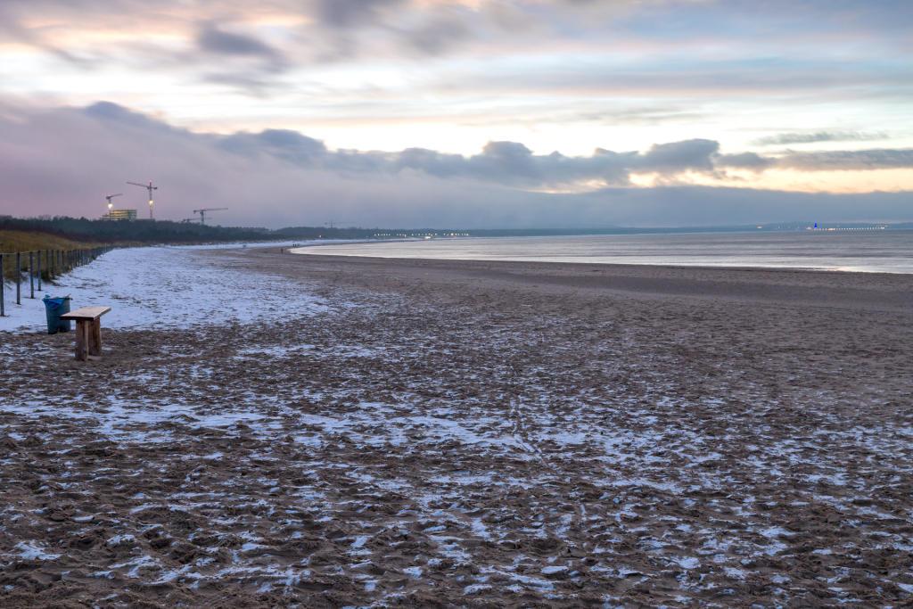 Zimowa plaża w Świnoujściu