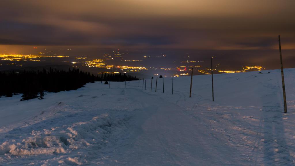 Nocny widok na Karpacz